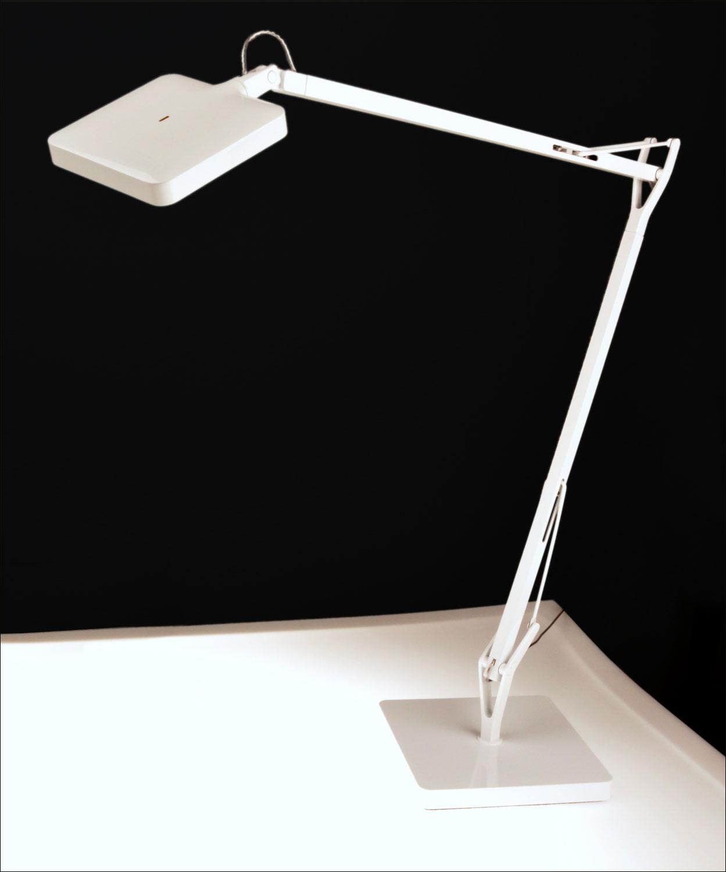 kelvin led design schreibtisch lampe greenmode medienservice architektur und bauwesen. Black Bedroom Furniture Sets. Home Design Ideas